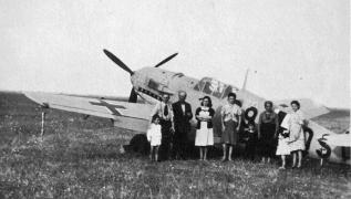 Messerschmitt-Bf-109E7BTrop-8.ZG1-(S9+QS)-Hermann-Hartel-ferry-flight-emergency-landing-6th-Sep-1942-01.jpg