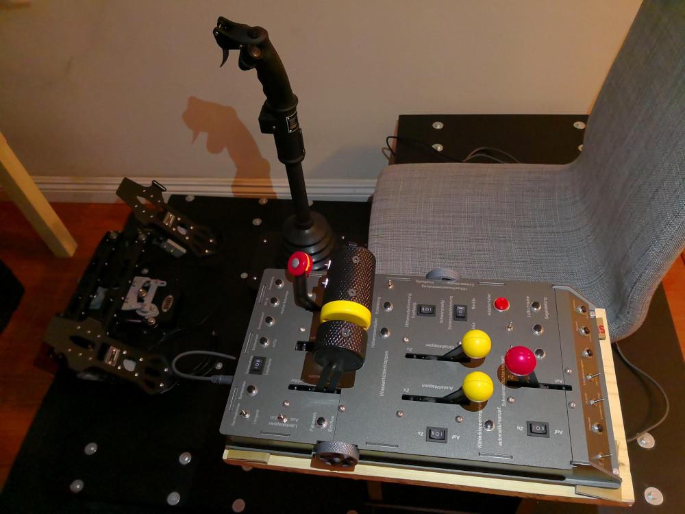 throttle.thumb.jpg.4643741134778ae7b40ae5497b012af8.jpg