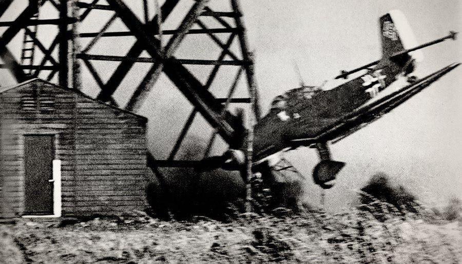 Ju-87_01.jpg.8d9c6ac7867596860eaed62210421f2c.jpg