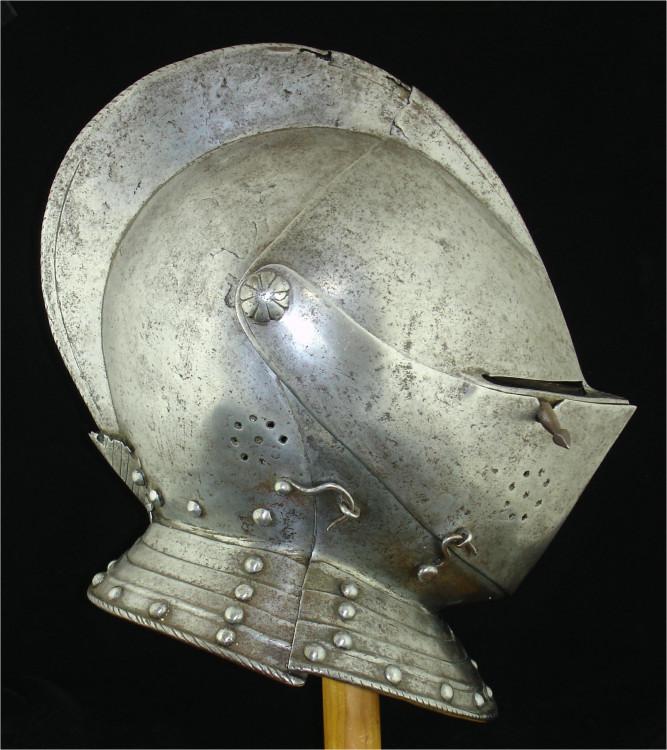 A-114a-helmet-side.thumb.jpg.383395280b133e6ef11f980dd26200ea.jpg