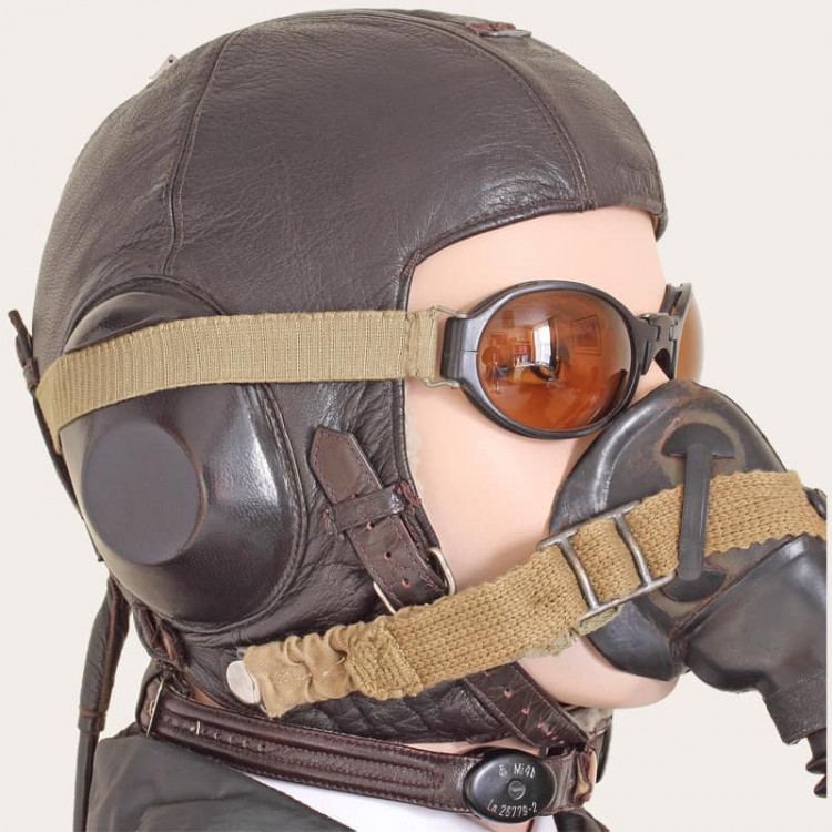 WW2_German_Winter_Helmet_0C.thumb.jpg.ed0c66c1a30ee6ad4446d7ee88d9a3a7.jpg
