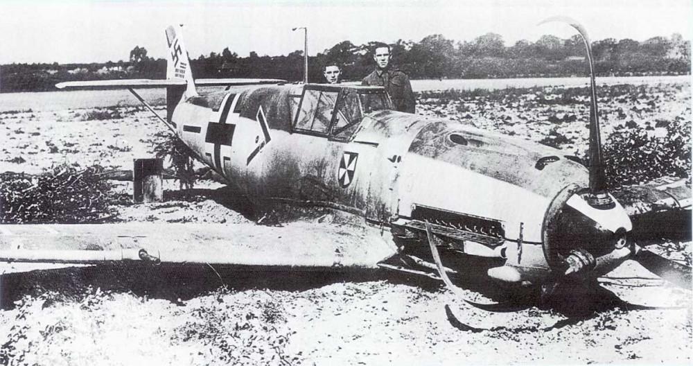 1434858844_1-Bf-109E-II.JG3-(-Werra-WNr1480-crash-landed-Kent-1940-01.thumb.jpg.b2211b4008c1e4452ca5149de4fad249.jpg