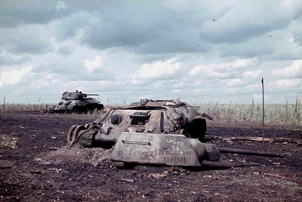 T34_knoked_Belgorod_1943.jpg