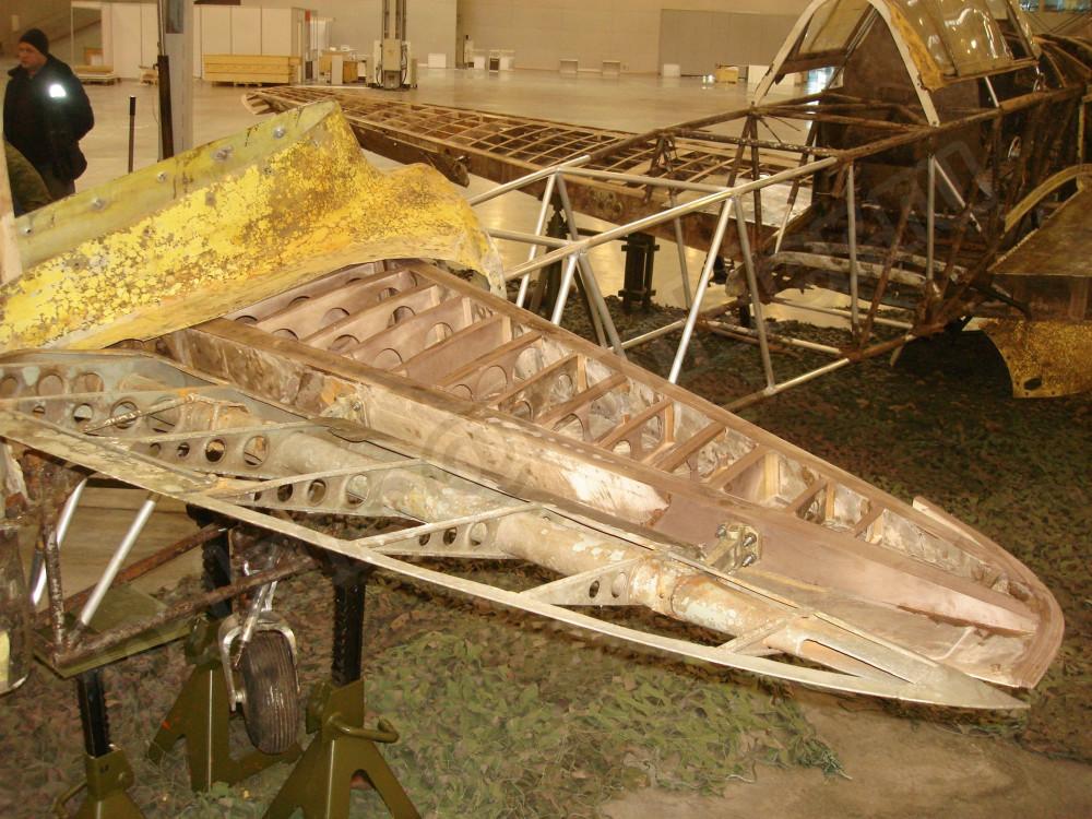 detailbilder-jagdflugzeug-yakovlev-yak-1-walkaround-132-15.jpg