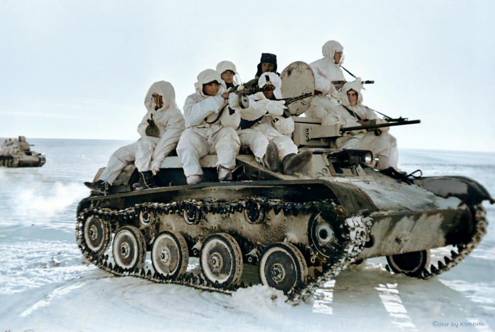 red-armys-tankborne-infantry-on-the-bryansk-front-during-world-war-ii-color.jpg